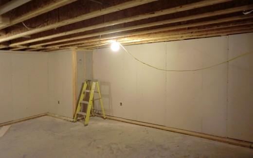 Crawlspace drywall